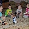 К малышам пришел робот. Детский сад №1