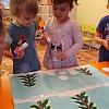 Аппликация из ватных дисков «Веселые снеговики». Детский сад №1